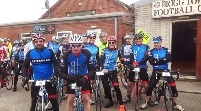 Paul Kirk Sportive 100m on two bikes!